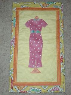 Fashionista! Applique wall hanging quilt
