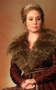 Queen Bella Leopold of Ladok Reign Fashion, Fashion Tv, Megan Follows Reign, Reign Catherine, Reign Season 3, Romeo And Juliet Costumes, Live Action, Pride & Prejudice Movie, Reign Dresses