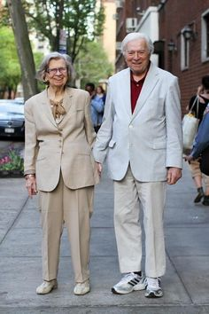 """Photographer: """"What's your favorite thing about your wife?"""" Man: """"I can't say that in public!"""" The 50 Most Romantic Things That Ever Happened Romantic Things, Most Romantic, Grow Old With Me, Older Couples, Humans Of New York, Growing Old Together, Never Grow Old, Old Folks, Street Portrait"""