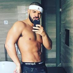 We gave you Drake captions for selfies, now here are some Drake