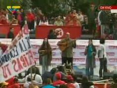 Solimar Cadenas canta junto a Chavez