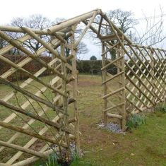 trellis fence with garden arch uk