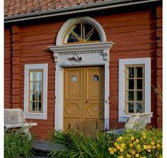 gysinge byggnadsvård - Sök på Google Swedish Cottage, Cute Cottage, Swedish House, Exterior Doors, Exterior Paint, Interior And Exterior, Vernacular Architecture, Architecture Details, Red Houses