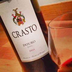 Crasto Red from the Douro region of Portugal, I'm obsessed! Rich, ripe red fruits topped off w a bit if spiced plum & dried herbs. All the traditional grapes of Port made dry, into this easy sippin $17 gem. Perfect w a combination of harvest-y, fall foods.