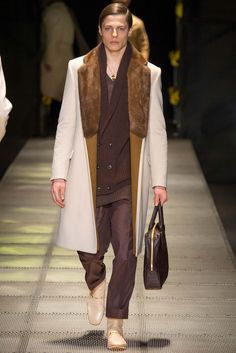 Versace Fall 2015 Menswear - Collection - Gallery - Style.com #menswear #fashion #runway #menclothing #trend #fall #fall2015 #2015
