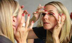 EYELASHES - How to Put on Fake Lashes.