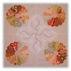 Quilting motif for Dresden Plate quilt, drawn in 5D quilts Creator.