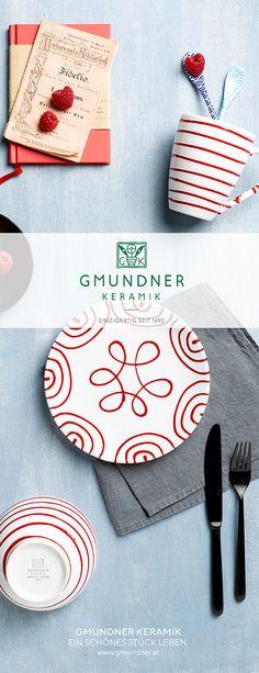 Der Klassiker in Rot. Perfekt auf jedem Tisch und immer ein Hingucker #gmundner #keramik #geschirr #rotgeflammt #design Pure Products, Red, Design, Red Color, Dishes, Table, Design Comics, Rouge