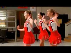 S01E02 (Showmance) - I Say A Little Prayer (Dionne Warwick - Sung by Quinn Fabray, Santana Lopez and Brittany Pierce)