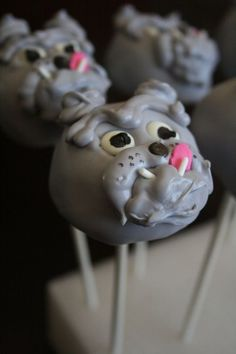 bulldog cake pops..what?!  I need to make these!..