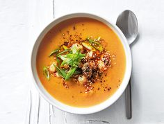 Donna Hay& flavoursome miso and sweet potato soup with sesame ginger prawns is the perfect easy weeknight meal as it can be made in under 20 minutes. Donna Hay Recipes, Soup Recipes, Healthy Recipes, Sweet Potato Soup, Miso Soup, Hot Soup, Easy Weeknight Meals, Soup And Salad, Food Dishes