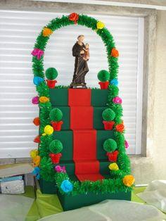 Resultado de imagem para TRABALHOS SOBRE SANTOS POPULARES San Antonio, Origami, Portugal, Crafts For Kids, Christmas Ornaments, Holiday Decor, Party, Diy, Crafts For Children