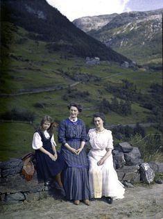 THESE PHOTOS VESNAVUJOVICUTJ/PHOTOGRAPHY/AUTOCHROMNorway circa 1910, by Adolphe Miethe