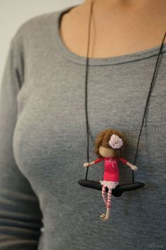 Vintage Style Ooak Fairy Necklace By Dor - Diy Crafts Textile Jewelry, Fabric Jewelry, Jewellery, Fairy Dolls, Felt Dolls, Doll Crafts, Needle Felting, Vintage Fashion, Vintage Style
