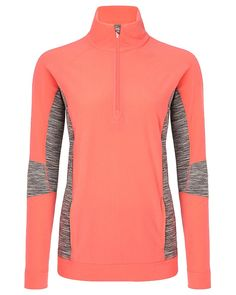 Thermal fleece pullover with standout contrast panels ideal for skiing and other winter workouts. Soft thermal fabric is sweat-wicking to keep you warm and dry, while the funnel neck design blocks out cold even at fast paces. A dropped back hem also ensures full coverage during cycling.