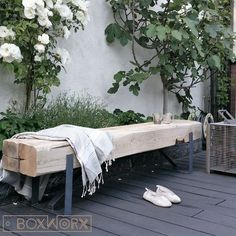 Bank INDI is a robust, solid, industrial table made of old, … - Innen Garten - Eng