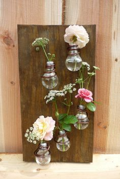 Superb Ideas to Create a Gorgeous DIY Vase Recycled Light Bulbs, Bulb Vase, Deco Floral, Rustic Farmhouse Decor, Glass Texture, Diy Home Crafts, Plant Holders, Decoration, Garden Art