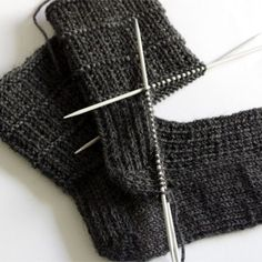 Easy sock knitting pattern for men …