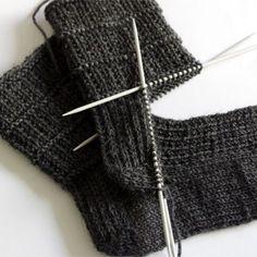 Easy sock knitting pattern for men                              …