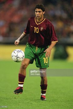 Portugal's Manuel Rui Costa focuses on the ball in his adidas Predator Mania FG customs where the grips are blacked out Rui Costa, Adidas Predator, Great Pictures, Football Players, Portugal, Number 10, Baseball Cards, Running, Sports