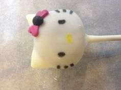 Close up Hello Kitty cake pop