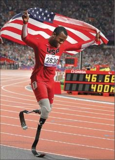 Blake Leeper Celebrates His Medal