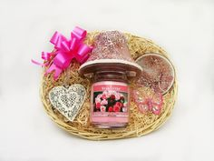 A Scented Soy Candle in a glass jar with a matching candle shade and saucer and a gorgeous Heart Shaped Wall Hanger make up this beautiful gift set! Price: 29.99  http://luxuryhampers.ie/p/light_up_gift_set_pink