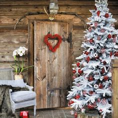 Rustic Cabin Christmas Decor
