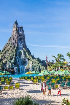 Volcano Bay at Universal Orlando. 18 tips inside for how to have the best Universal vacation. #universal #orlando #familytravel