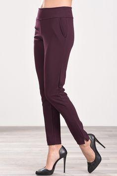 Παντελόνι cigarette ελαστικό με τσέπες στο πλάι μπορντό Capri Pants, Suits, Fashion, Capri Trousers, Moda, Outfits, Fashion Styles, Suit, Fashion Illustrations