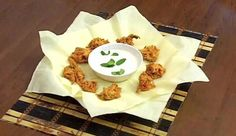 How to Make Onion Bhaji Onion Bhaji, Learn To Cook, How To Make, Indian Food Recipes, Ethnic Recipes, Stuffed Jalapeno Peppers, Indian Dishes, Spice Mixes, Coriander