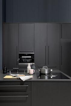Black kitchen. Deko stand at the Habitare fair