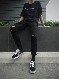 KOREAN FASHION * GUYS - so you can get inspired by Korean outfits for guys! ♥ everything # De Todo # amreading # books - Fashion Mode, Fashion Outfits, Mens Fashion, Mens Grunge Fashion, Fashion Ideas, Fashion Black, Grunge Men, Trendy Fashion, Empire Fashion