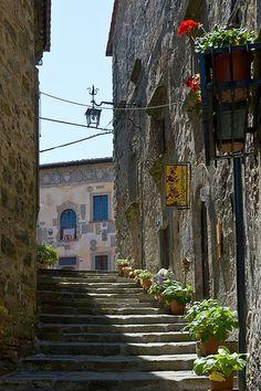 Anghiari: Via del Castello Antico, Anghiari, Arezzo province , Tuscany region Italy