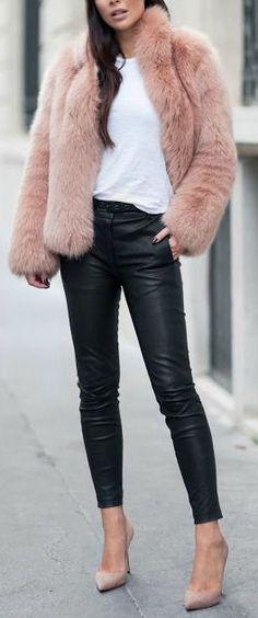 Calça de couro, jaqueta de pelo