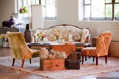 Include a lounge/seating area that is comfortable for guests to rest during the long night of dancing. Older guests will love this unique setting for some conversation. Vintage Theme, Vintage Decor, Vintage Furniture, Vintage Ideas, Vintage Style, Lounge Seating, Lounge Areas, Seating Areas, Outdoor Seating