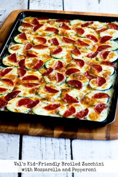 My sister Val's Kid-Friendly Broiled Zucchini with Mozzarella and Pepperoni is delicious with or without the Pepperoni, and this is a low-carb zucchini recipe the whole family will enjoy! Low Carb Keto, Low Carb Recipes, Cooking Recipes, Healthy Recipes, Kid Cooking, Healthy Cooking, Free Recipes, Easy Recipes, Healthy Work Snacks