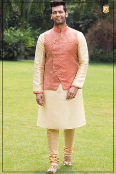 Buy Kurta Online - Select from a wide range of kurta sets, kurtas & designer wedding kurta pajama for men online. Shop for stylish kurtas to look perfect on every occasion. Mens Indian Wear, Mens Ethnic Wear, Indian Groom Wear, Indian Men Fashion, Mens Fashion Suits, Nehru Jacket For Men, Waistcoat Men, Kurta Pajama Men, Kurta Men