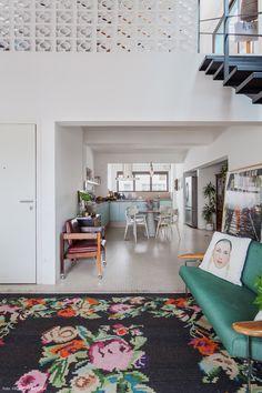 Tapete Floral, Floral Rug, Breeze Block Wall, Cute Kitchen, Piece A Vivre, Dream Decor, Retro, Small Spaces, Living Room Decor