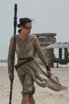 How 'The Force Awakens' Celebrates Powerful Women | Rey Fends for Herself – and Wields a Lightsaber