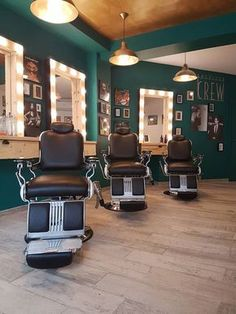 Discover recipes, home ideas, style inspiration and other ideas to try. Barber Shop Interior, Barber Shop Decor, Hair Salon Interior, Salon Interior Design, Interior Design Images, Boutique Interior, Interior Design Magazine, Interior Ideas, Barber Shop Vintage