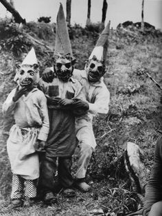 vintage everyday: Vintage Creepy Halloween – 34 Old Photos of Clowns You Might Not Want to Meet at Night