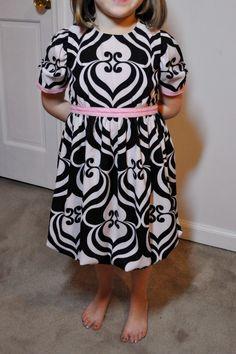 Sew Sehnsational: Project Run and Play week 4: Valentine's Day Dress