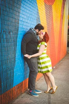 Lindsay and Jesse's Colorful and Quirky DUMBO / Brooklyn Bridge E-session