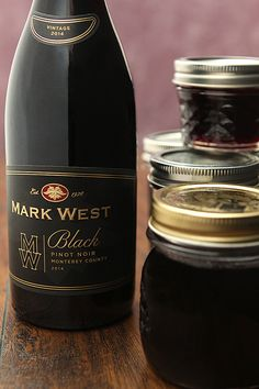 Try something new with a favorite wine and make this Red Wine Jelly. Great with Pinot Noir, Cabernet, Merlot and Chardonnay. Great gift too! Jelly Recipes, Beer Recipes, Canning Recipes, Beer Jelly Recipe, Red Wine Cabernet, Wine Jelly, Pinot Noir Wine, Italian Wine, Wine Tasting