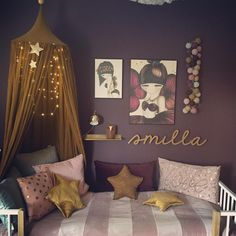 Baby wall name.Gold baby room decor - Jeannette Hustedt - - Baby wall name. Star Bedroom, Pink Paint Colors, Happy Lights, Star Cushion, Kids Bunk Beds, Couple Bedroom, Diy For Girls, Baby Room Decor, Toddler Bed