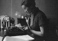 Gerda Taro. Photo by Fred Stein, 1935