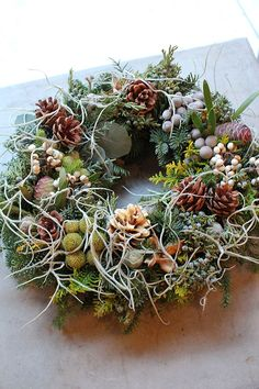 フレッシュクリスマスリース ¥5,000 - ¥17,000 Christmas Flower Decorations, Christmas Door Wreaths, Outdoor Wreaths, Deco Floral, Christmas Inspiration, Diy Flowers, Artificial Flowers, Advent, Flower Arrangements