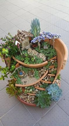 Charming Ideas To Build A Fairy Tale Garden In A Broken Pot 39
