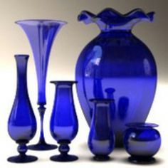 6 Creative and Modern Tips Can Change Your Life: Old Vases Colour unique vases simple. Blue Glass Vase, Cobalt Glass, Colored Glass, Cobalt Blue, Old Vases, Antique Vases, Large Vases, Glas Art, Blue Dishes